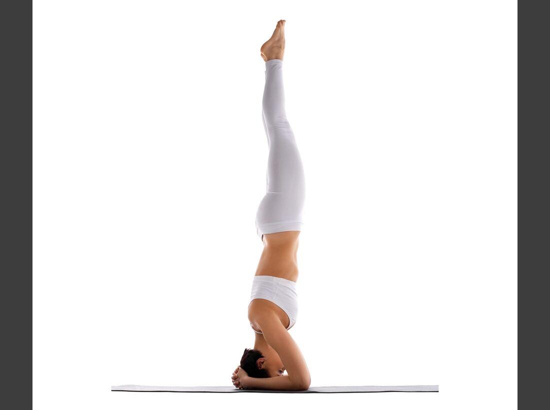 AL-Yoga-Kopfstand-shutterstock-fuer-burmester-0113-shutterstock_82755070 (jpg)