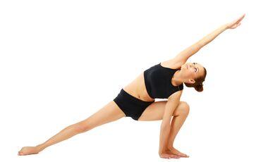 AL-Yoga-seitlicher-Winkel-Sidestretch-shutterstock-fuer-burmester-0113-shutterstock_103068173 (jpg)