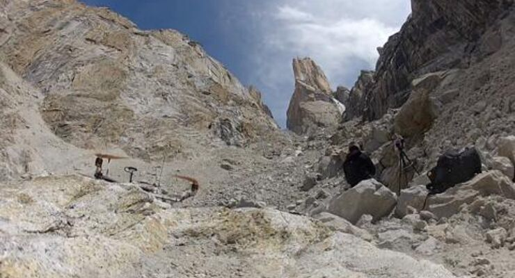 David Lama climbs Eternal Flame on Trango Tower