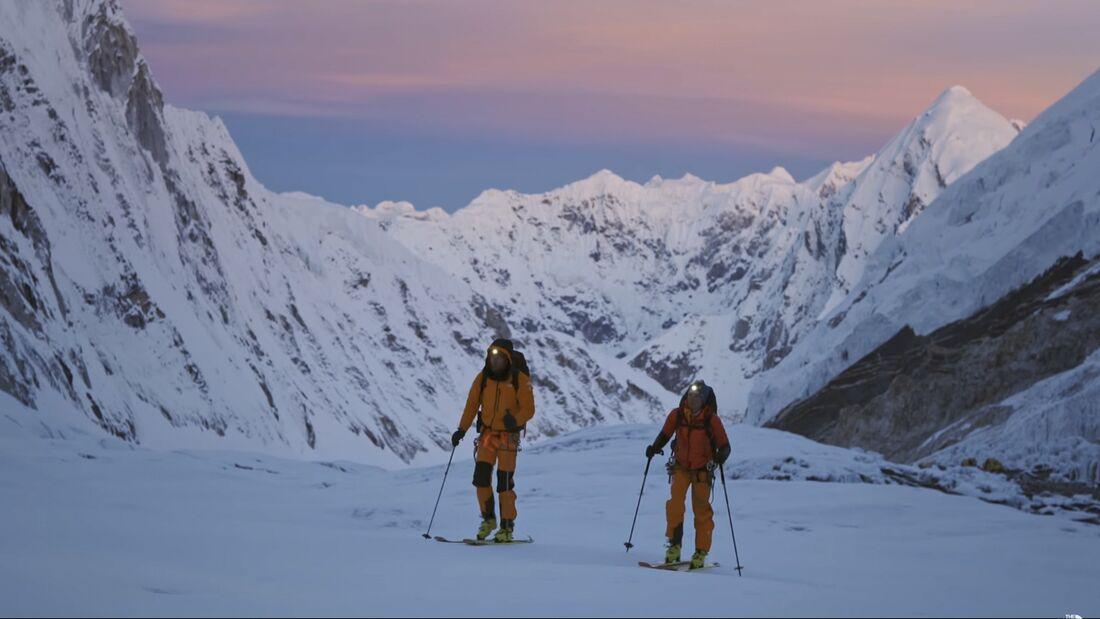 Hilaree Nelson und Jim Morrison gelingt die erste Skibesteigung des Lhotse (8516m)