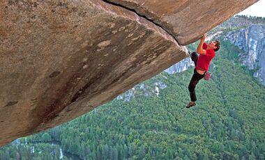 KL-Alex-Honnold-free-solo-Honnold-Separate-reality-c-jimmy-chin-MM7795_100606_00300-Edit (jpg)