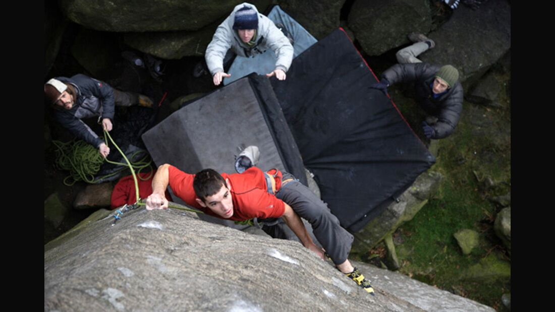 KL Alex Honnold in The Promise