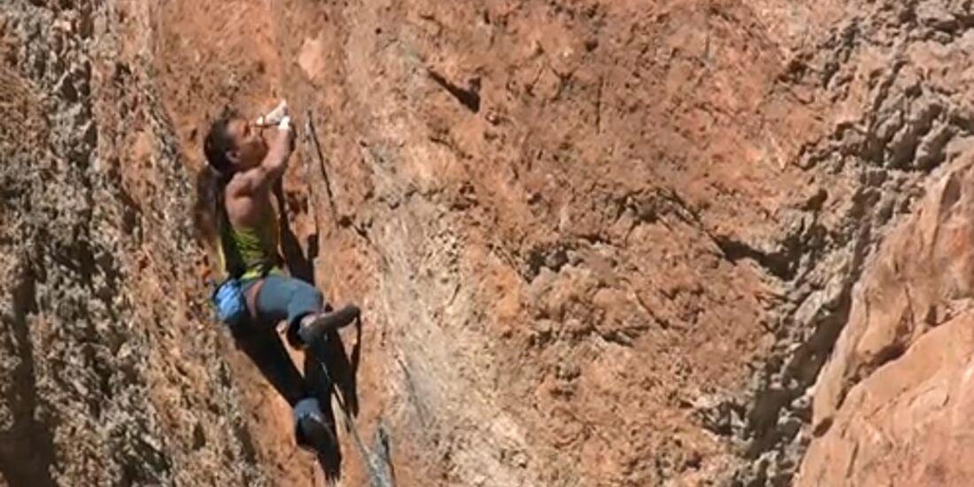 KL Alizée Dufraisse klettert El Patinoso 8c+ Teaser