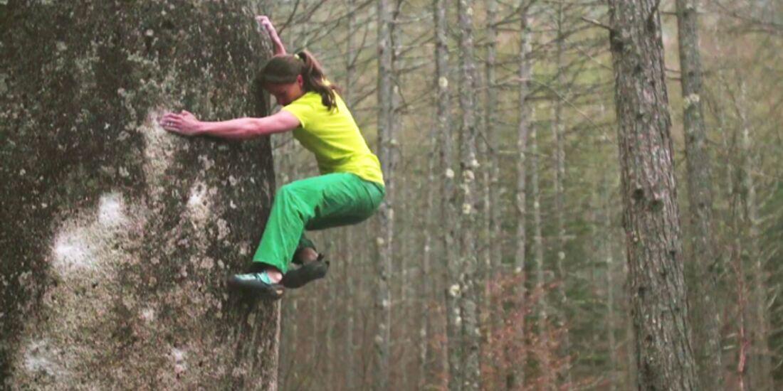 KL Anna Stöhr bouldert in Mount Mizugaki, Japan