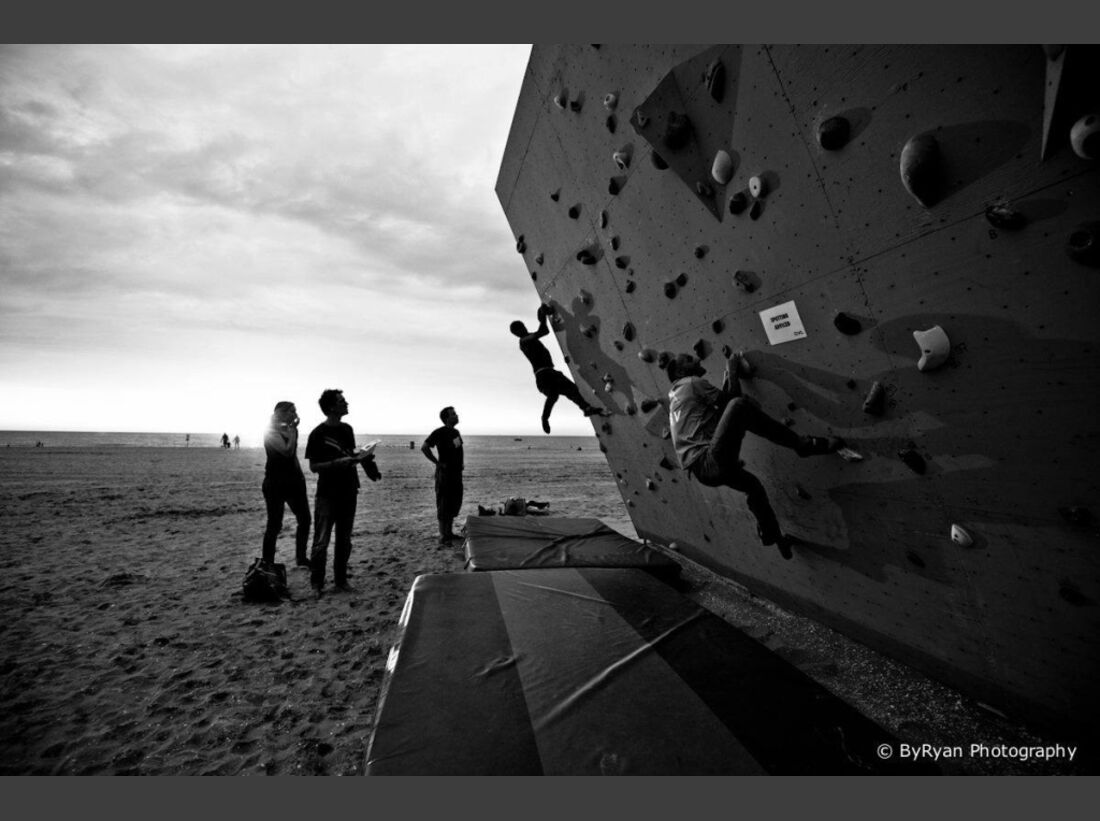 KL-BAZ-2013-Boulderen-aan-Zee-c-Bram-Berkien-1093871_1412822218929731_1871861166_o