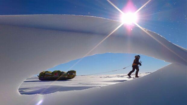 KL-Banff-Film-2013-CrossingTheIce3