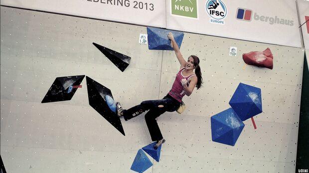 KL Boulder EM Eindhoven 2013_4 Tops in sieben Versuchen - Anna Stoehr hatte wie gewohnt viel Grund zum Jubeln (jpg)