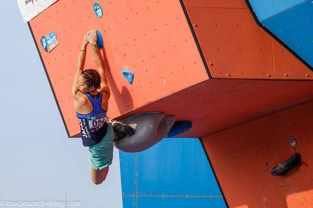 KL-Boulder-Weltcup-2015-the-circuit-boulder-weltcup-Haiyang-2015-IFSC-Boulder-World-Cup-Finals-selection-13-N-Akjyo (jpg)