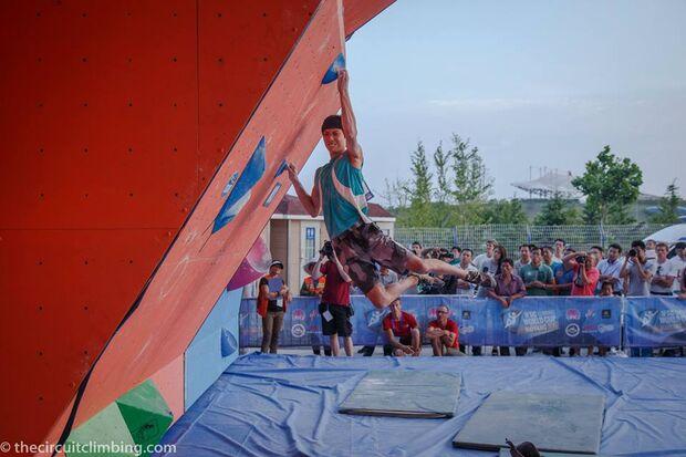 KL-Boulder-Weltcup-2015-the-circuit-boulder-weltcup-Haiyang-2015-IFSC-Boulder-World-Cup-Finals-selection-32-Chon-Jongwon (jpg)