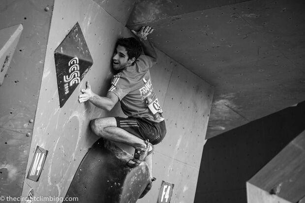 KL-Boulder-Weltcup-2015-the-circuit-boulder-weltcup-Haiyang-2015-IFSC-Boulder-World-Cup-Finals-selection-33-Alban-Levier (jpg)