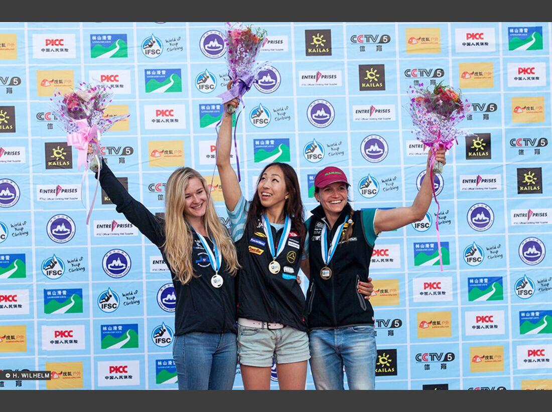 KL-Boulder-Weltcup-Haiyang-2014-Podium-Damen-14296663198_6f510172a4_b (jpg)