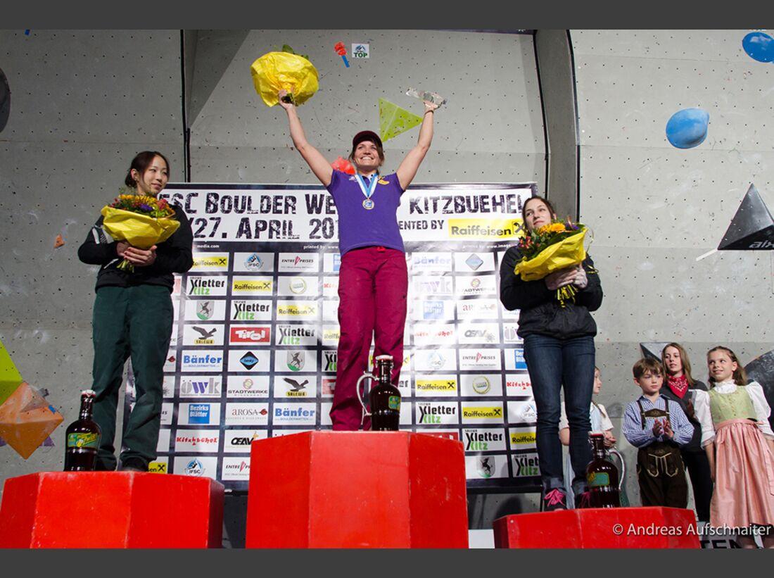 KL-Boulder-Weltcup-Kitzbuehel-2013-Akiyo-Noguchi+Anna-Stoehr+Alex-Puccio_DSC6813 (jpg)