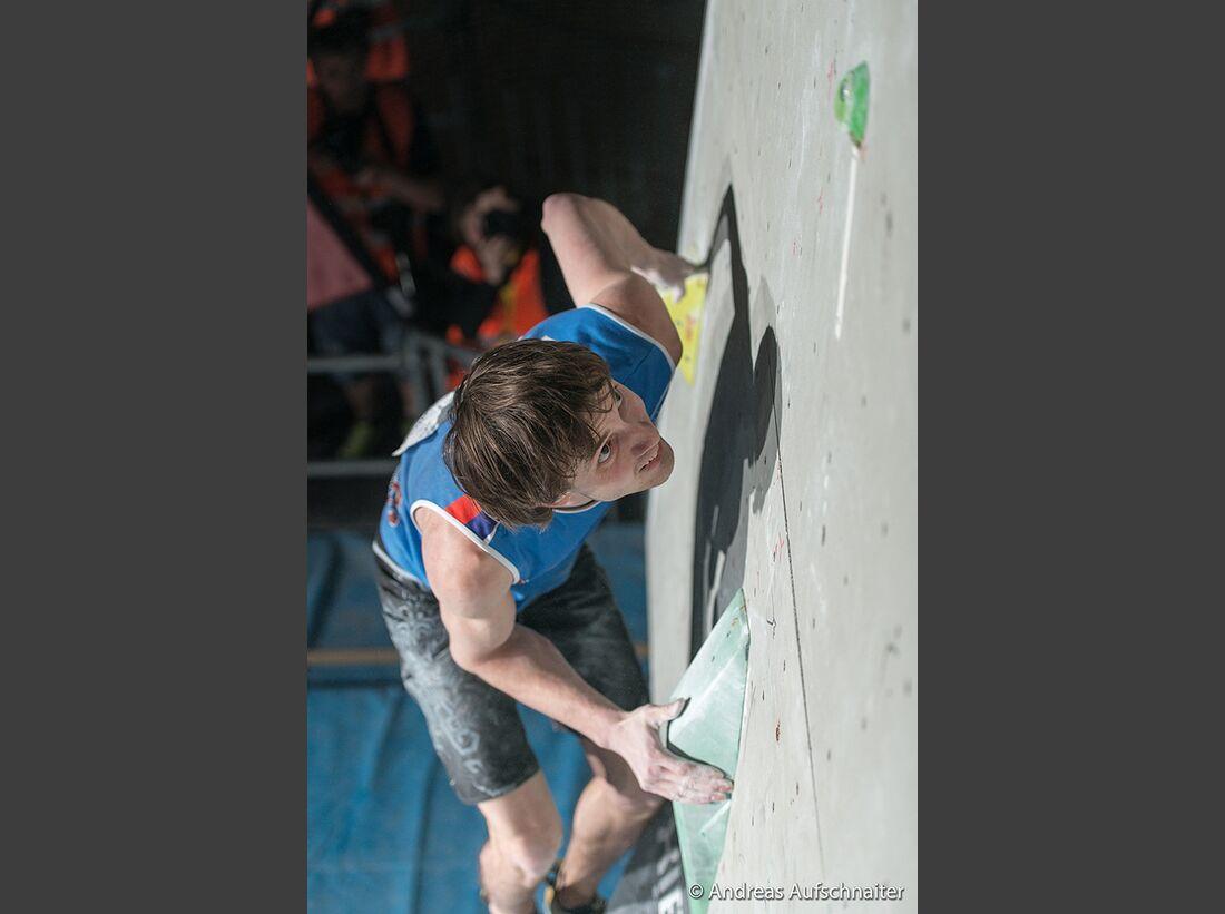 KL-Boulder-Weltcup-Kitzbuehel-2013-Dmitry-Sharafutdinov_DSC2413 (jpg)
