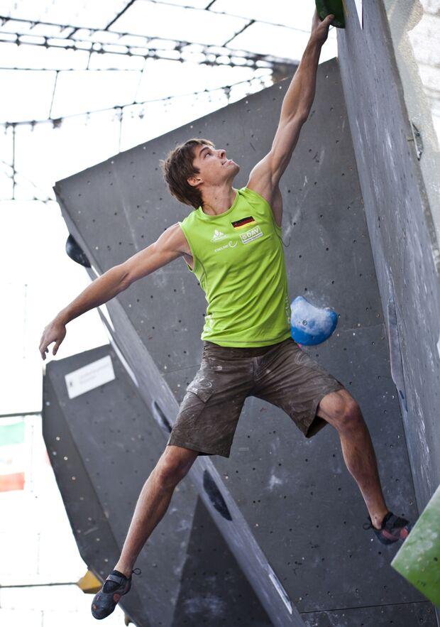 KL-Boulder-Weltmeisterschaft-Muenchen-2014-DAV-Jan-Hojer-DAV-Vertical-Axis (jpg)