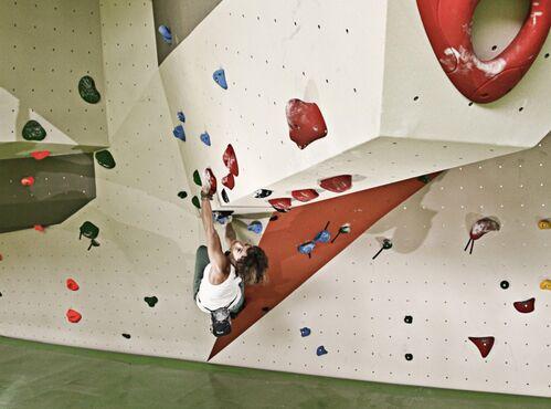 KL Bouldern in der Boulderhalle Dynochrom Sarah