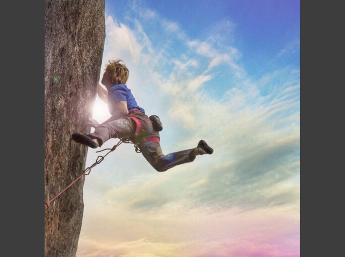 KL Chris Sharma Instagram climbing on El Bon Combat 9b