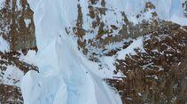 KL-Damenbegehung-Cerro-Torre-Christina-and-Caro-near-Col-de-la-Esperanza-(C)-Luka-Lindic (jpg)
