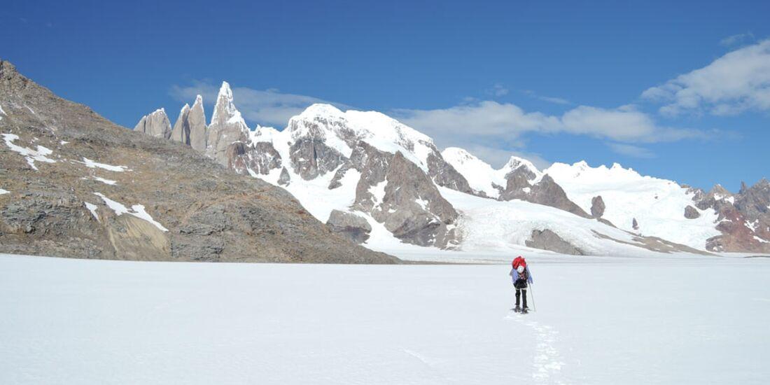 KL-Damenbegehung-Cerro-Torre-Way-to-Cerro-Torre-(C)-Caro-North (jpg)