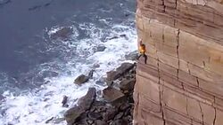 KL Dave MacLeod Orkney Mucklehouse Wall TEAer