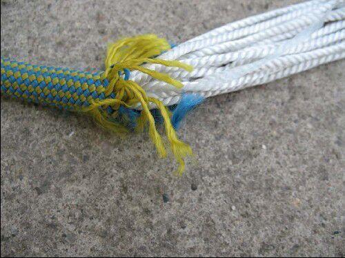KL Durchtrenntes Seil - Detail Mantel