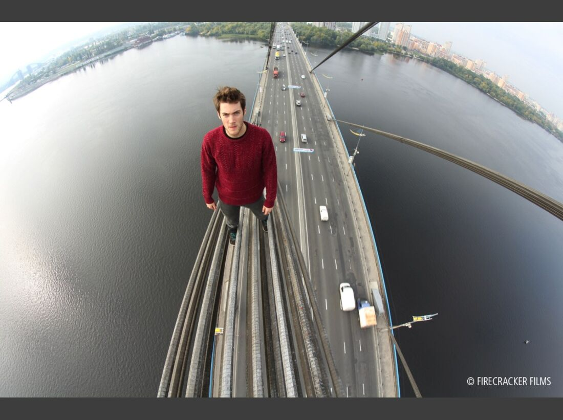 KL-EOFT-2014-2015-Film-Dont-Look-Down-2 (jpg)