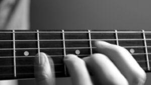 KL Gitarrespielen