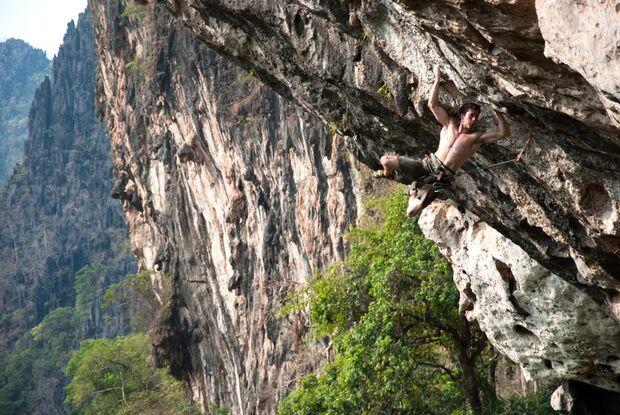 KL-GreenClimbersHome-Klettern-Laos-Flo-Schiffer,Big-Smile-8a+ (jpg)