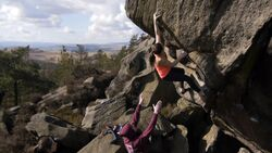 KL Gritstone Bouldern Where's my skin gone