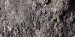 KL Hazel Findlay klettert free solo in Nord-Wales