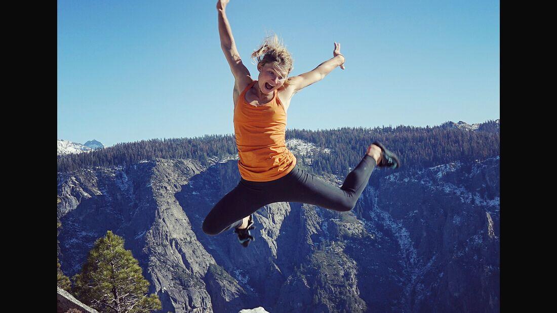 KL Hazel Findlay on top of El Cap after freeing the Salathe