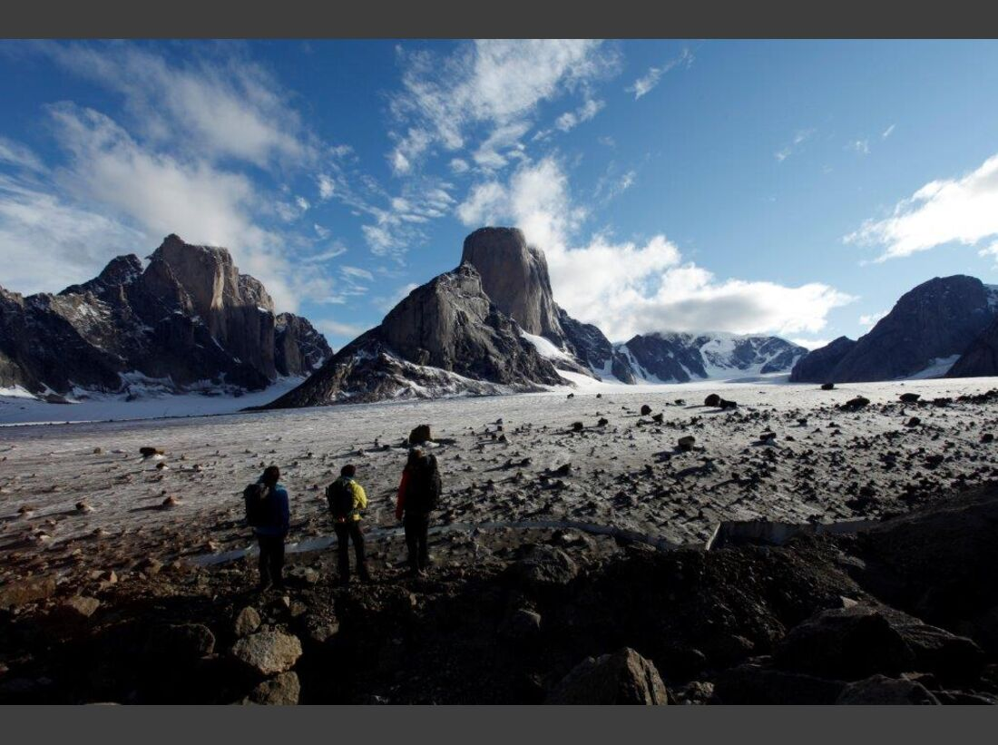 KL-Huberbuam-Baffin-Mt-Asgard-Close-Call-_MG_1051 (jpg)