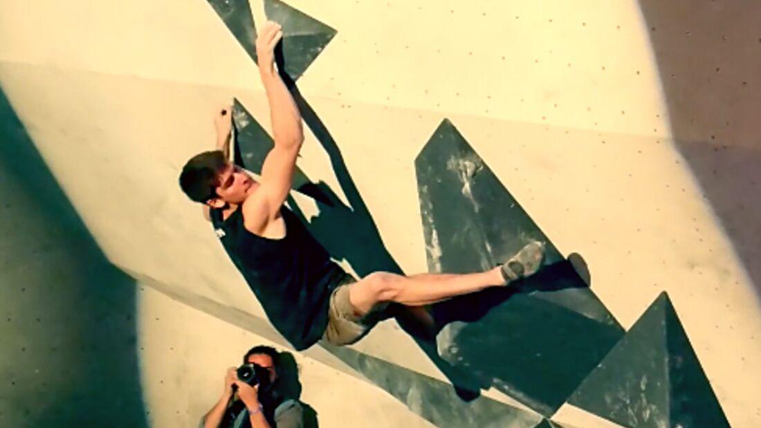 KL Jan Hojer beim Deutschen Bouldercup im Stuntwerk April 2016