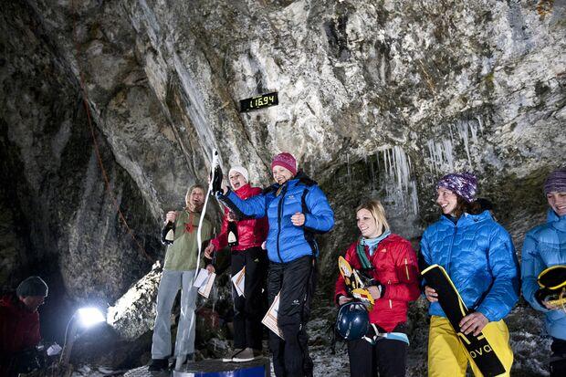 KL-Kandersteg-Iceclimbing-2012-DamenSieger