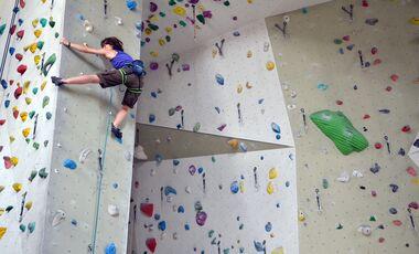 KL Klettern in der Kletterhalle Sarah