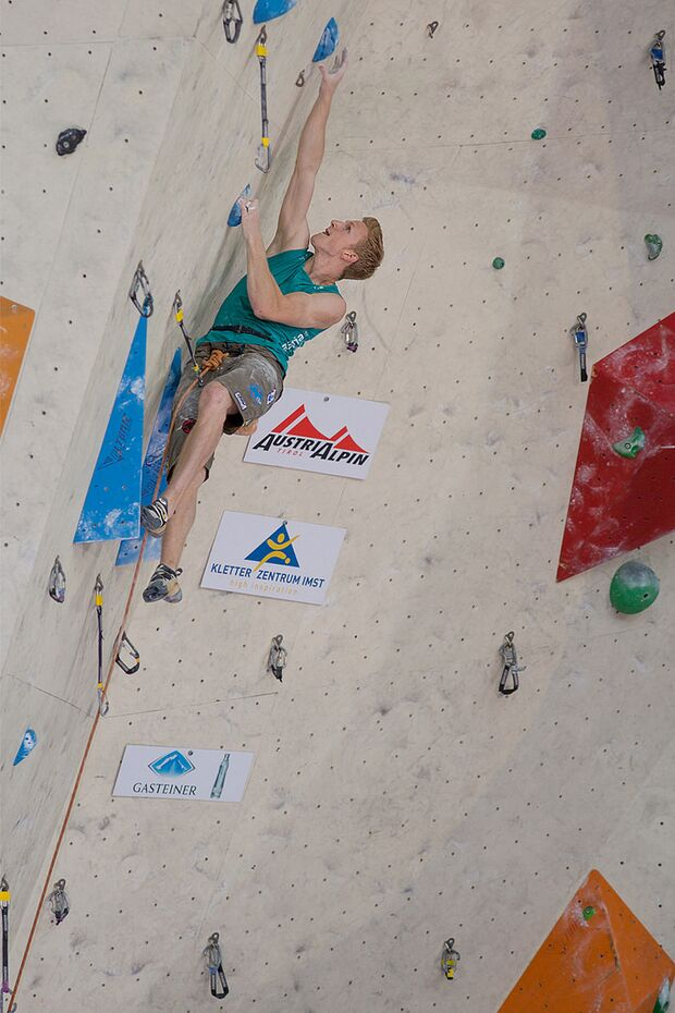 KL-Lead-Weltcup-Imst-2014-Jakob-Schubert-14825270175_3ccaf37d94_b (jpg)