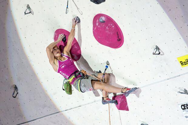 KL-Lead-Weltcup-Imst-2014-Magdalena-Roeck-14825267865_295b1dc6f2_o-TEASER (jpg)