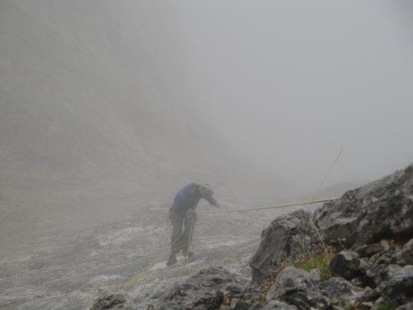 KL_Leo_Naranjo_Leo rappeling down, few minutes before the rain and ice storm (JPG)