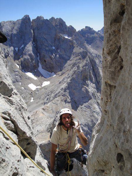 KL_Leo_Naranjo_Primo on last meters before reaching the top (JPG)