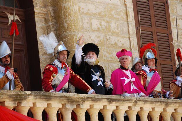 KL_Malta_allg_Grand-Master-Pageant-re-enactment-02-by-Mario-Galea (jpg)