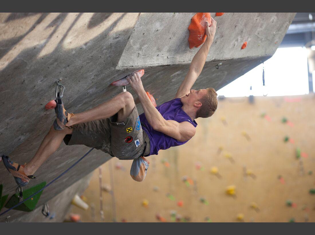 KL_Mammut_Special_2017_Athletenbilder_q_Jakob_Schubert_rock-climbing_jakob-schubert_111008-lead-worldcup-boulder-1439_rgb.jpg