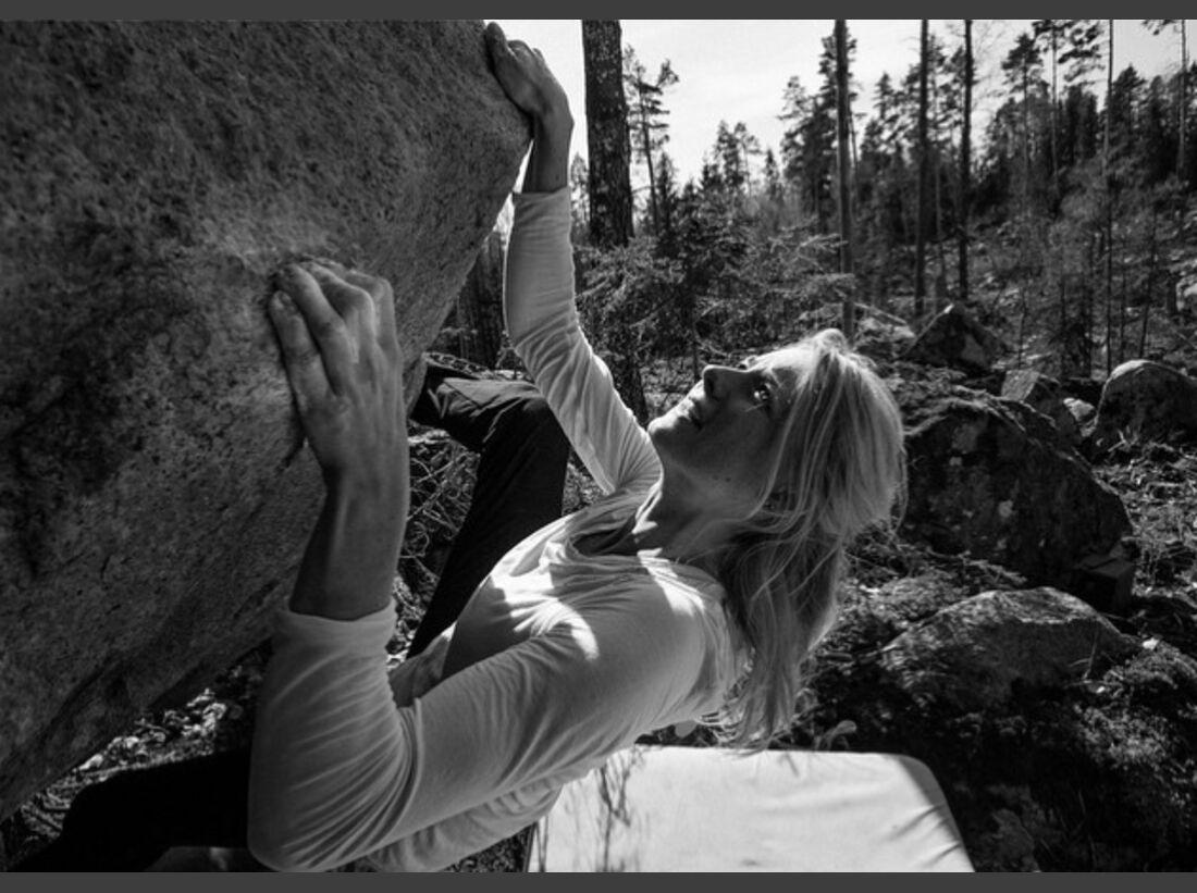KL Matilda Söderlund beim Bouldern Instagram