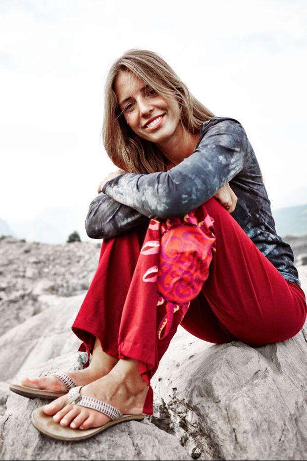 KL-Red-Chili-Kletter-Kleidung-Sportbekleidung-zoe_sitting (jpg)