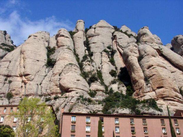 KL-Rockhostel-Montserrat2 (jpg)