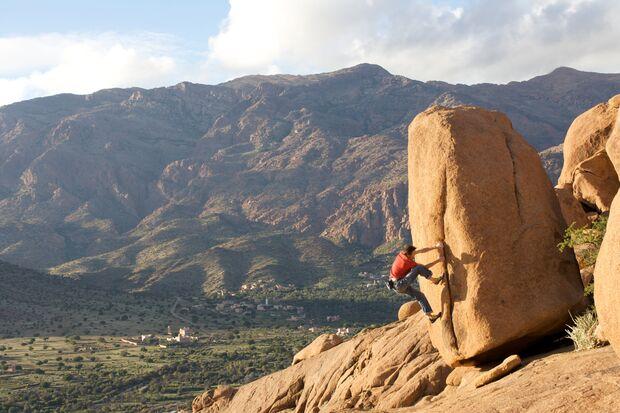 KL_Sarah_priv_BoulderingTafroute (png)