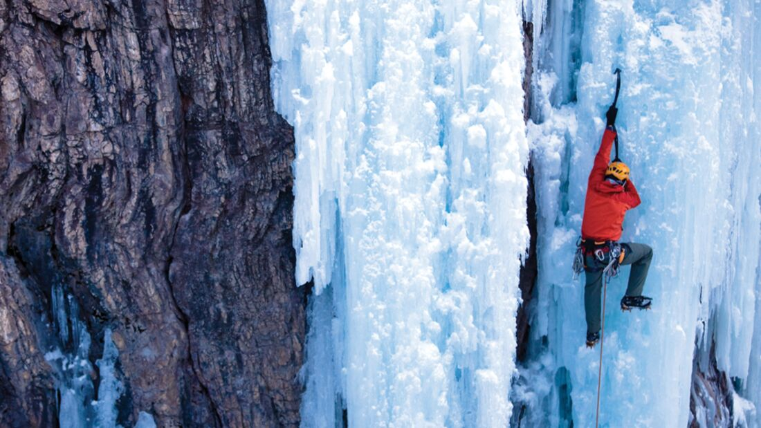 KL_Softshells_2+3-10_IceClimbing_Ouray_Colorado-(gr) (jpg)