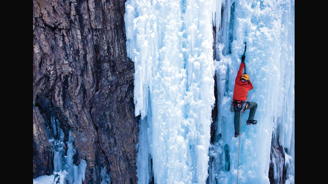 KL_Softshells_2+3-10_IceClimbing_Ouray_Colorado-(gr) (jpg)