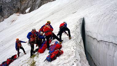KL Spaltenbergungsübung am Höllentalferner Gletscher
