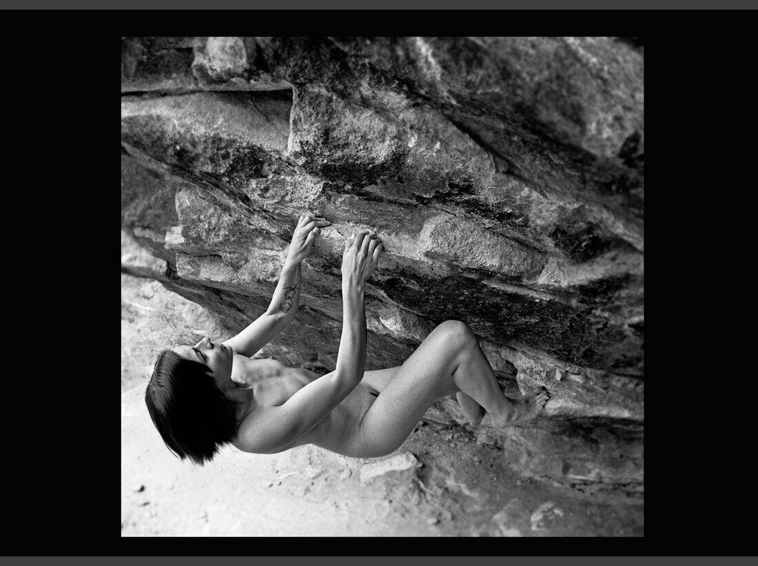 KL-Stonenudes-Kalender-2013-KL-Stonenudes-2002-January (jpg)