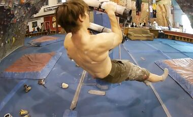 KL Teaser zu Udo Neumann Video Training Boulder Nationalteam 1/4