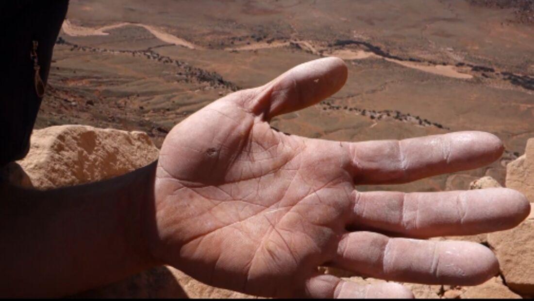 KL Trailer: Sufferfest 2 - Desert Alpine a.k.a. 34 Pieces of Choss and 5 horrendous Life Experiences - Cedar Wright (U.S.A)